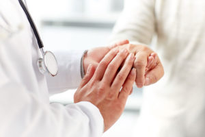studien-arthrose-patientengespräch